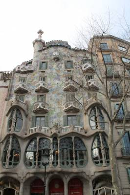 PASSEIG DE GRACIA, ALL YOU CAN WISH IS HERE
