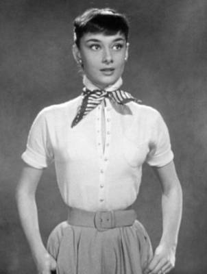 b2ap3_thumbnail_Audrey_Hepburn_screentest_in_Roman_Holiday_trailer.jpg